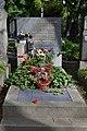 L.Kozderková hrob.jpg