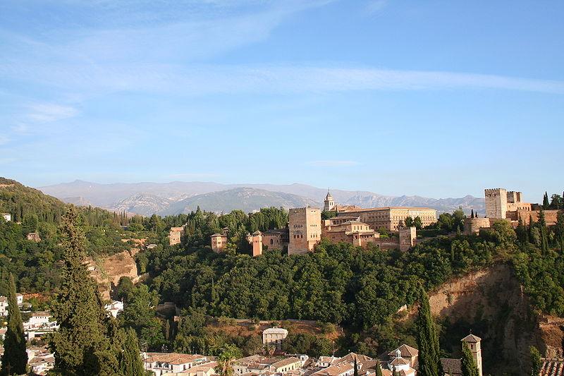Resim:La Alhambra con Sierra Nevada de fondo.JPG