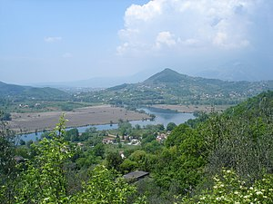 Lago di Posta Fibreno - Image: Lago di Posta Fibreno e Colle Monacesco