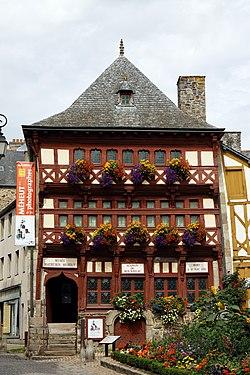 Lamballe - Maison du Bourreau - 002.jpg