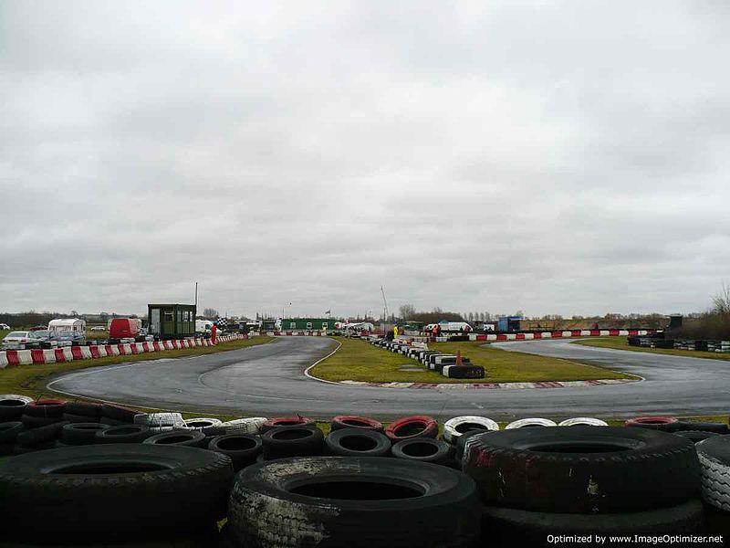 File:Last Corner - Fulbeck Kart Circuit - panoramio.jpg