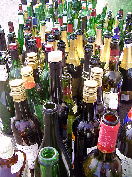 Datei:Leere Flaschen.jpg