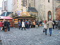 Leipziger Weihnachtsmarkt Stand an der Nikolaikirche (2011).jpg