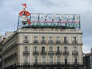 Leuchtreklame an der Plaza Puerta del Sol