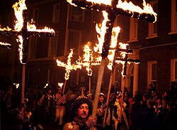 Lewes Bonfire Night procession commemorating 17 Protestant martyrs burnt at the stake from 1555 to 1557.
