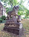 London-Woolwich, St Mary's Gardens, tomb Thomas Cribb 1.jpg