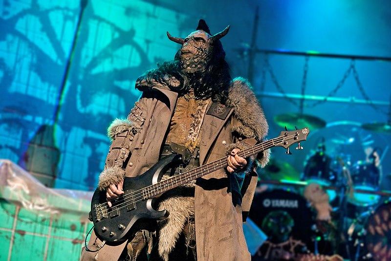 Vos chanteurs/chanteuses ou groupe favoris 800px-Lordi-ox-wiki