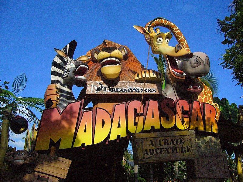 Universal Studios Singapore (2010) 800px-Madagascar_A_Crate_Adventure_sign