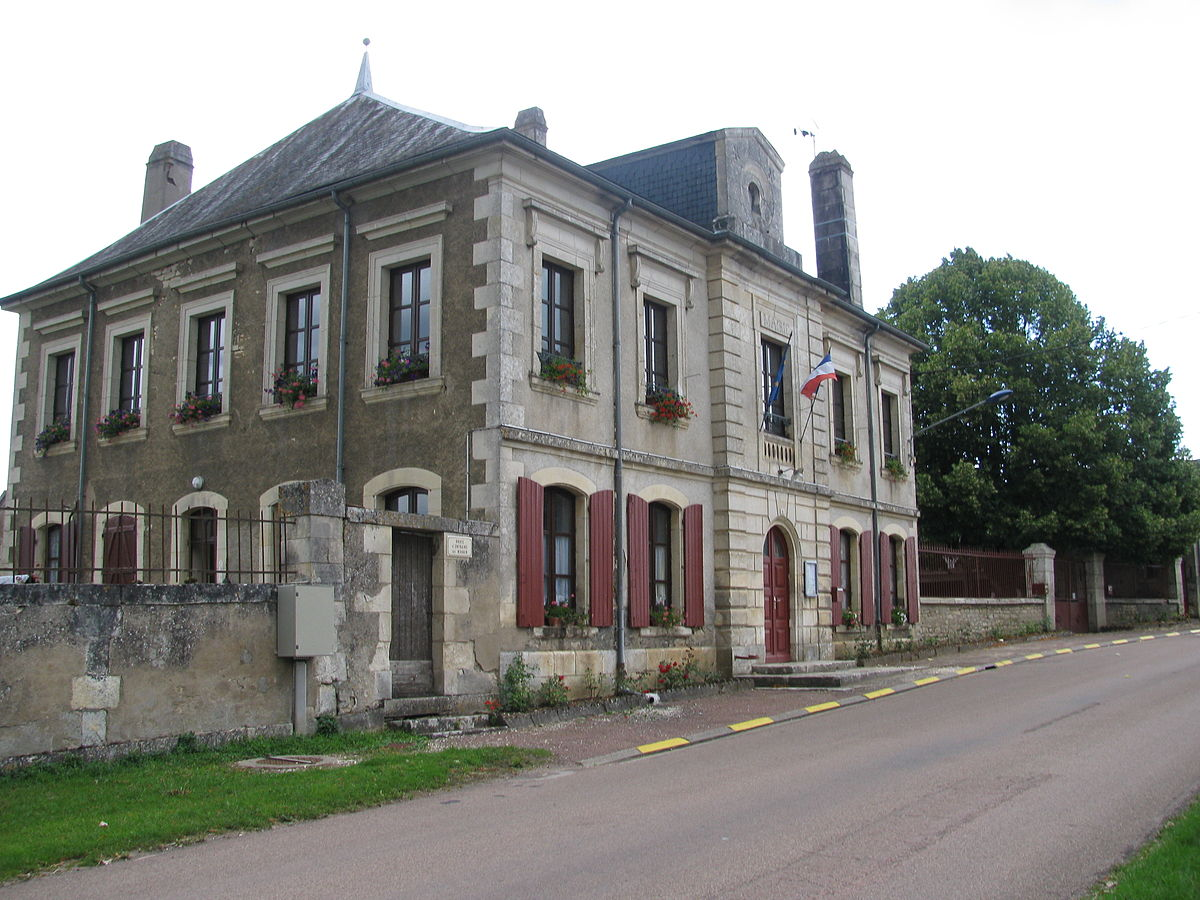 entrains sur nohain asian singles In 2013, archaeologists spent five months excavating a site at the town of entrains-sur-nohain in burgundy for four centuries at the start of the first millennium, the area was home to the roman city of intaranum.