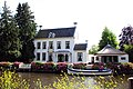 Manor with tea house and lots of Hortensia flowers along the Vecht at 9 July 2015 - panoramio.jpg