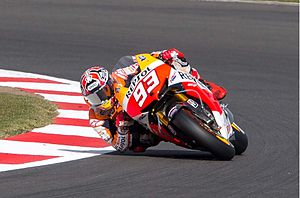 Motorcycle tyre - Marc Márquez, elbow down at the 2013 British Grand Prix