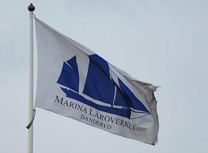 Vägbeskrivningar till Marina Läroverket med kollektivtrafik