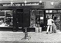 Melger's wijn- & drankenhal aan de Barrevoetestraat 13. Aangekocht van United Photos de Boer bv. - Negatiefnummer 36211 k 3. - Gepubliceerd in het Haarlems Dagblad van 16.04.1992. Identificatienummer .JPG