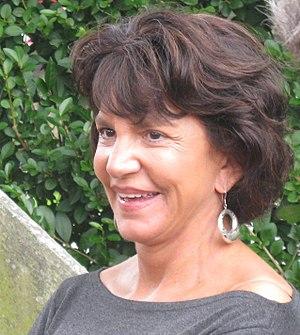 Mercedes Ruehl - Ruehl in East Hampton, New York in October 2009