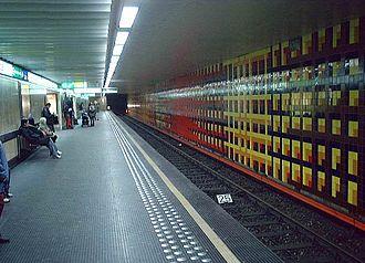 Merode station - Image: Metro Brussel Merode perron