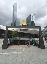Metro entrance, Rotterdam.jpg