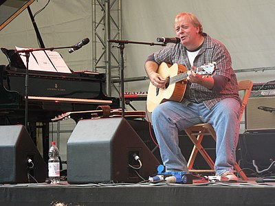 Picture of a band or musician: Mike Keneally