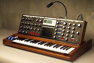 Minimoog Voyager 2002 monophonic analog synthesizer