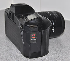 Minolta Dynax 7000i Analogue Film Camera, With Sigma 28-70mm Lens (8744239846).jpg