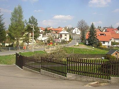 Jak do Mirošovice U Prahy hromadnou dopravou - O místě
