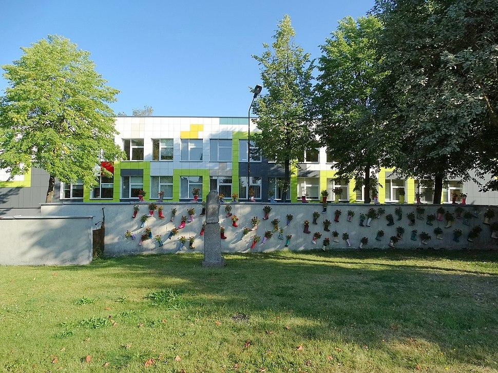 Molėtai, menų mokykla