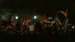 Bestand:Monday Demonstration Dresden Jan 12 2015.webm