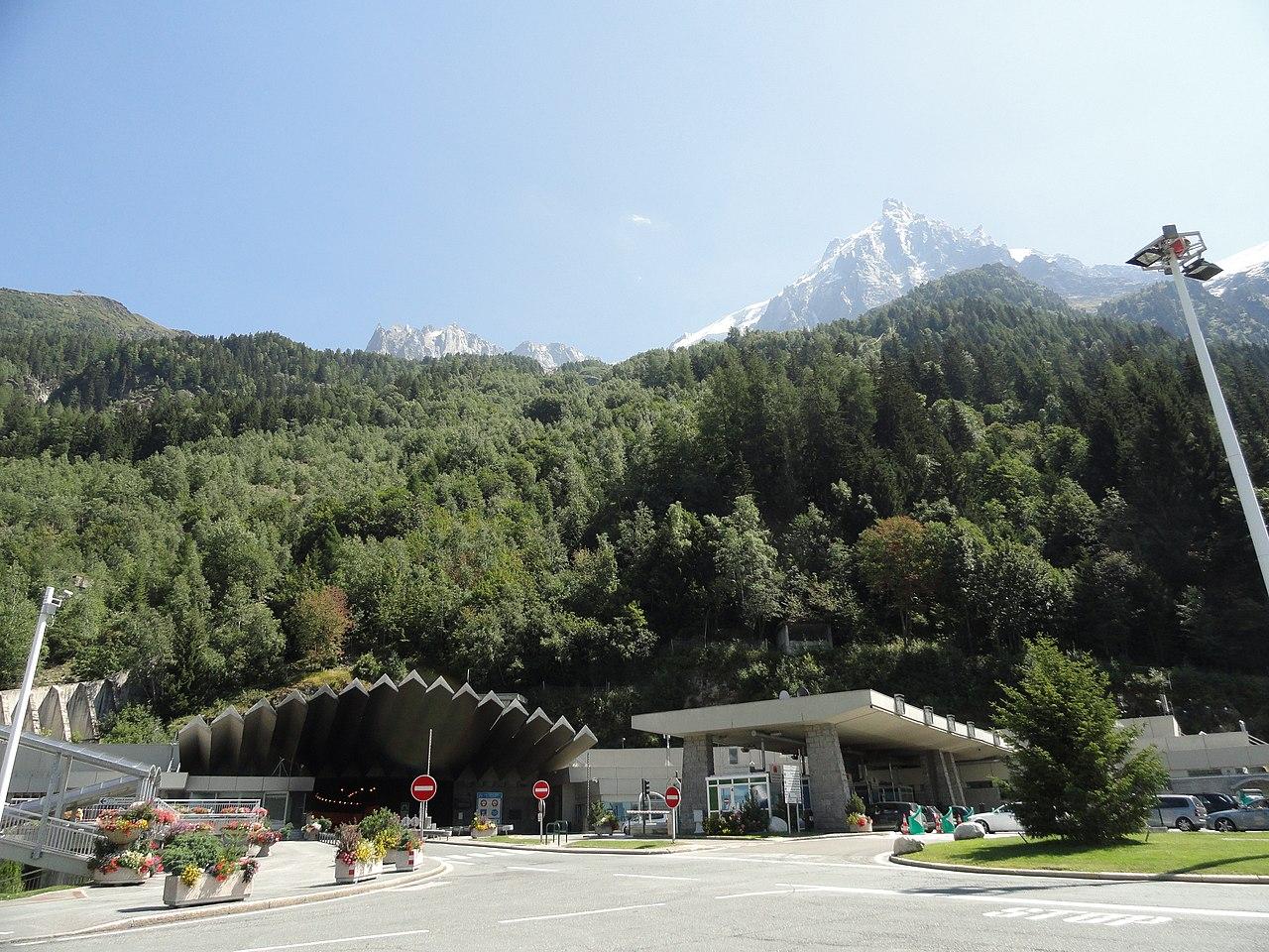 Entrada al túnel del Mont Blanc. Lado francés.