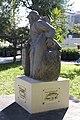 Monument aux Morts de Saint-Paul - le Poilu de Mafate - de profil.jpg
