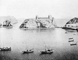 Muscat - Muscat harbour, ca. 1903. Visible in the background is Fort Al Jalali.