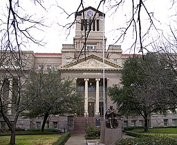 Navarro county courthouse 2010.jpg