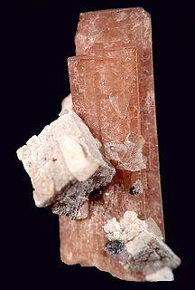 Nenadkevichite cyclosilicate mineral