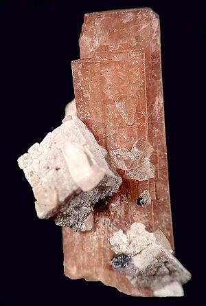 Ancylite - Nenadkevichite with ancylite crystals on the side