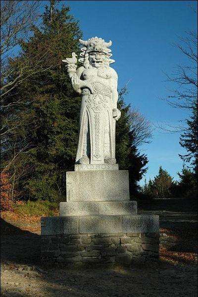 File:New granite sculpture of Radegast.jpg