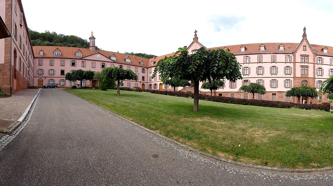 Alsace, Bas-Rhin, Oberbronn, Couvent des Sœurs du Très Saint-Sauveur (IA67005296).