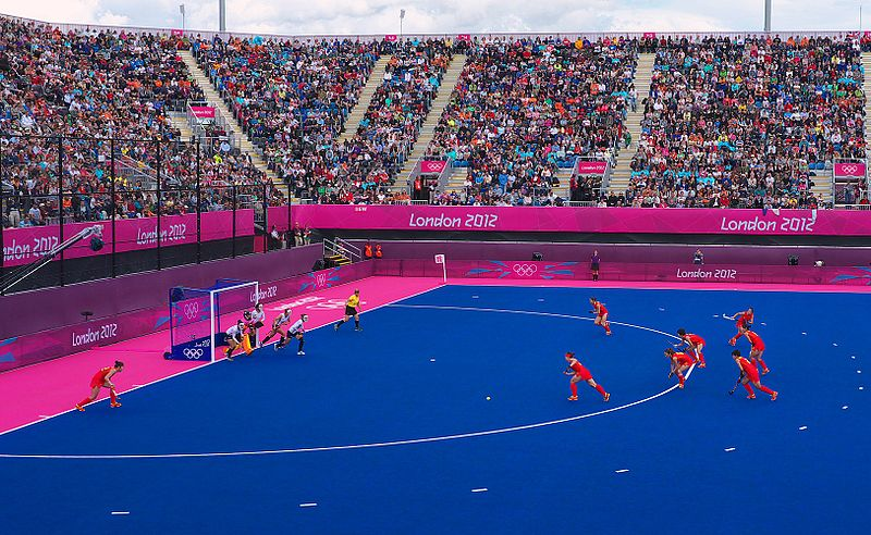 Ficheiro:Olympia London 22 07 2012 Hockey Damen China Korea Strafecke China.jpg