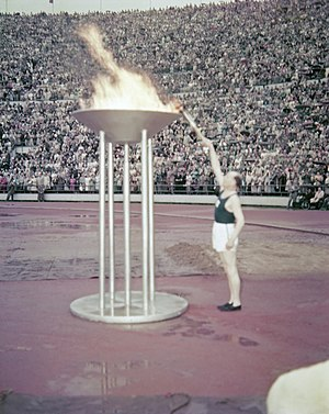 Olympic flame - Paavo Nurmi, lighting the Olympic flame in Helsinki in 1952