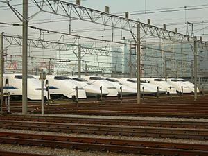 2010年的大井车辆基地,图中为新干线300系列车与新干线700系列车