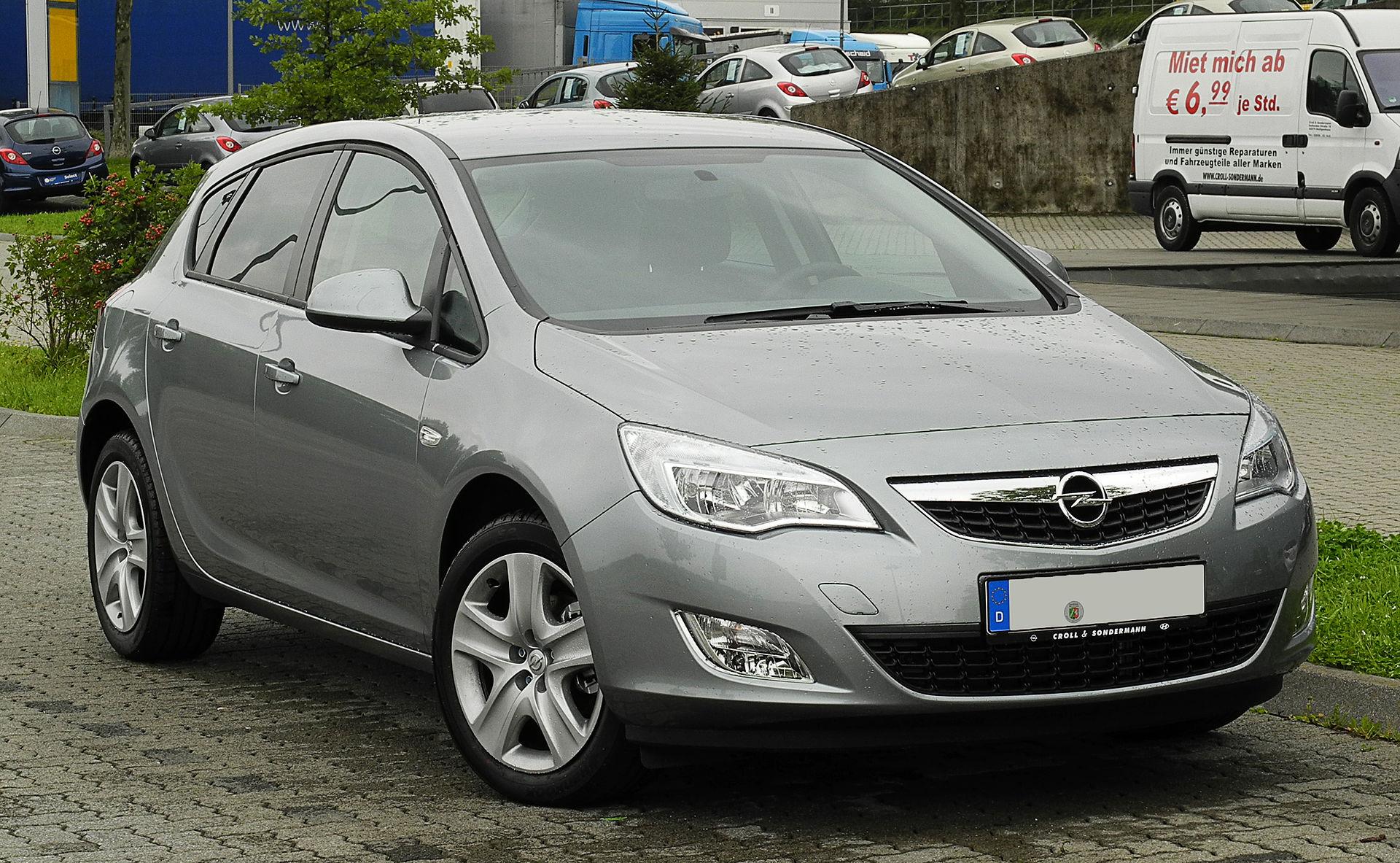 Opel Astra Fünftürer (2009–2012)