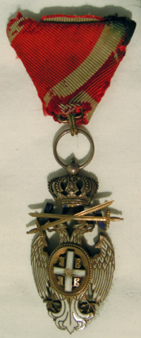 Order of the White Eagle War Merit after 1903 obverse.png