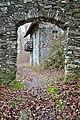 Pörtschach Burgruine Leonstein NW-Tor zum äußeren Hof 06012012 8578.jpg