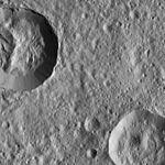 PIA20580-Ceres-DwarfPlanet-Dawn-4thMapOrbit-LAMO-image85-20160322.jpg
