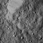 PIA20935-Ceres-DwarfPlanet-Dawn-4thMapOrbit-LAMO-image173-20160601.jpg