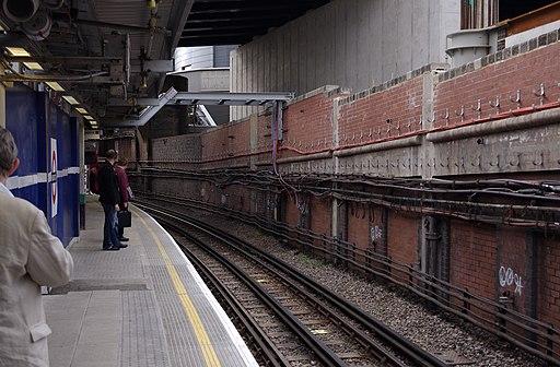 Paddington station MMB 65