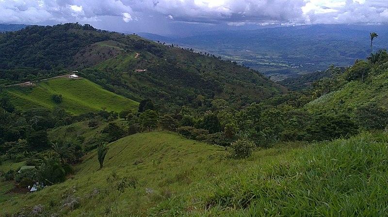 File:Paisajes de Changuena - panoramio.jpg