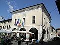 Palazzo del Comune, vista angolo (Travagliato).JPG