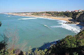 Anglet - Panorama of the beaches of Anglet from la Barre (at left) towards the cliffs at the House of Love (at right)
