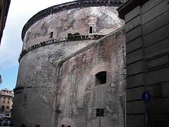 Pantheon (Rome) SW 2.jpg