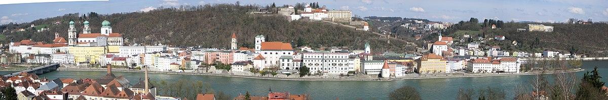Passau Altstadt Panorama 2.jpg