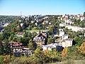 Pohled z Pavího vrchu k ulici K vodojemu.jpg
