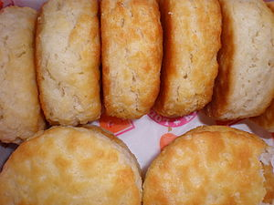 Biscuit (bread) - Image: Popeyes biscuits